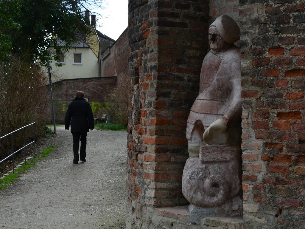 Brecht in Augsburg Steinerner Mann